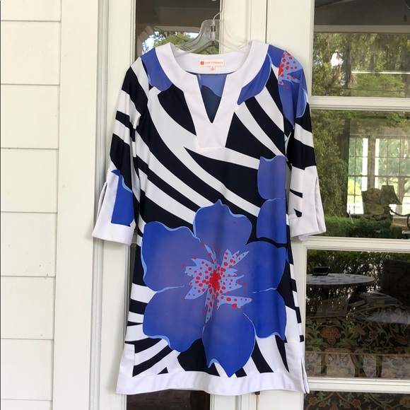 Jude Connally Dresses & Skirts - Jude Connally XS B&W and Blue Floral Tunic Dress